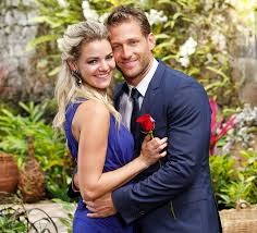 bachelor u0027 alum nikki ferrell is engaged see her proposal photos