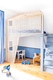 cabane de chambre cabane de chambre d enfant mezzanine design bois décoration