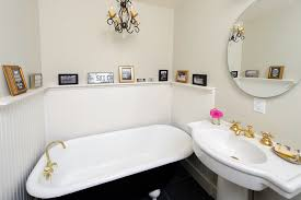 Shabby Chic Small Bathroom Ideas by Looking Clawfoot Tubs In Bathroom Shabby Chic With Pictures Of
