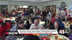hundreds come out for thanksgiving dinner at salvation army kshb