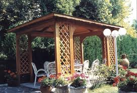 gazebo da giardino in legno prezzi gazebo da giardino in legno su misura per esterni