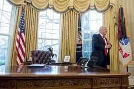 bureau ovale maison blanche l obamacare toujours en place malgré les promesses de donald