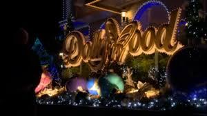 dollywood u0027s smoky mountain christmas wjhl