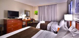hotels with 2 bedroom suites in denver co embassy suites denver stapleton hotel