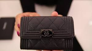 unboxing chanel caviar quilted boy card holder so black