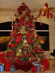 nicholas designs custom trees and