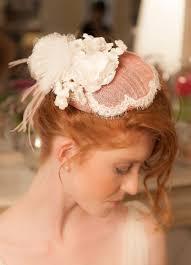 chapeau pour mariage trois adresses où acheter un bibi pour un mariage l express styles