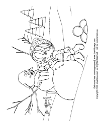 cartoon kid building a snowman free coloring pages for kids