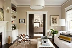 beige wand glänzend beige wand weiße möbel wandfarbe kogbox home design