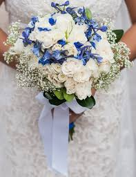 wedding flowers blue and white blue and white diy wedding flowers real wedding