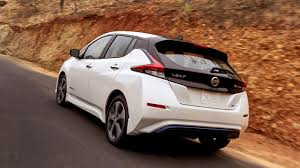 2018 nissan leaf packs more tech more range and a simple new look
