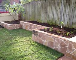 retaining walls in gardens