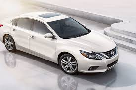 nissan altima 2016 trunk space 2017 nissan altima review best and worst things to know