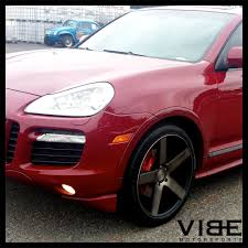red porsche black wheels 22