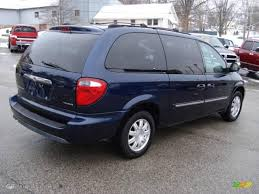 2005 midnight blue pearl chrysler town u0026 country touring 24146342