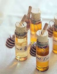 fall wedding favor ideas 17 ways to achieve the cheap fall wedding theberry