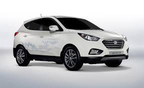 hyundai suvs 2014 hyundai tucson hydrogen car delivery begins in europe autoguide
