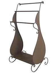 meuble valet de chambre porte serviette en fer forge sur pied avec serviettes lharitier du