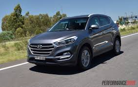 hyundai tucson 2014 white 2016 hyundai tucson 1 6t petrol vs crdi diesel comparison video