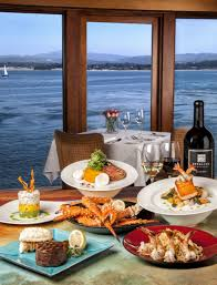 places for thanksgiving dinner in monterey bay
