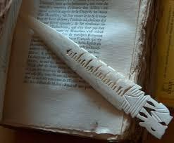 livres non rognã s et coupe papier â bibliomab le monde autour