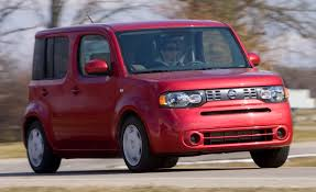nissan cube inside 2010 nissan cube s road test reviews car and driver
