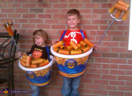 halloweeen halloween costumes for siblings that are cute creepy and