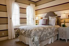 How To Furnish Bedroom 10 Different Ways To Decorate Bedroom Walls