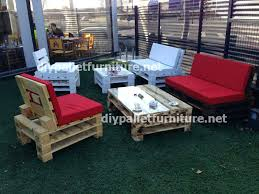 Diy Wood Pallet Outdoor Furniture by Outdoor Furniture With Pallets Diy Pallet And Old Bed Garden