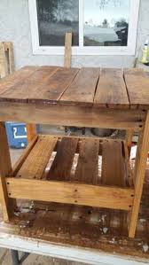 Coffee Table Out Of Pallets by How To Make A Pallet Coffee Table Tutorial Video Pallet Coffee