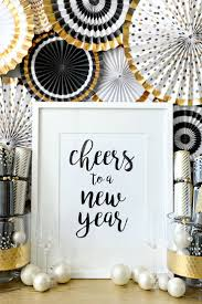 Christmas Decorations At New Years Eve Party by Best 25 New Years Decorations Ideas On Pinterest New Years Eve