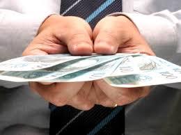 Com reajuste de 11,6%, salário mínimo será de R$ 880 a partir de ...