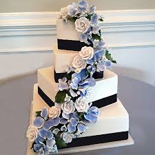 wedding cake fondant classic weddings sweet memories bakery crave event caterers