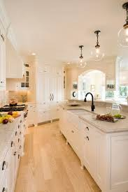 Wood Floor Kitchen by Best 10 Light Oak Cabinets Ideas On Pinterest Painting Honey