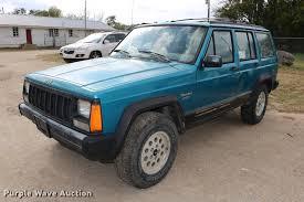jeep cherokee sport green 1993 jeep cherokee sport suv item dd0019 sold november