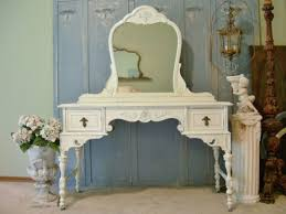 Shabby Chic Bedroom Furniture Cheap by Shabby Chic Master Bedroom Creamy Bedroom Furniture Set Grey