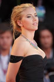 scarlett johansson is officially engaged ℰllie