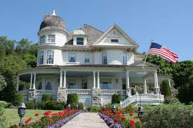 queen anne style home new homeowners want old and historical house styles