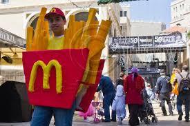 esther purim costume 20120308 purim celebrations in jerusalem niralon