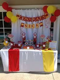 Candy Buffet For Parties by Best 25 Graduation Table Decorations Ideas On Pinterest Grad