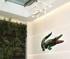siege social lacoste lacoste met crocodile au vert avec l agence you talking to me