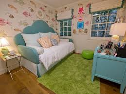 a tropical color palette luxe fabrics and an underwater theme a tropical color palette luxe fabrics and an underwater theme combine to create a pitch perfect bedroom for a sea loving girl the daybed s curvy design