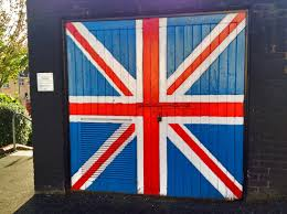 The Grand Union Flag Derry Murals The Troubles Of Northern Ireland Travel Addicts