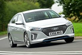 kereta hyundai hyundai ioniq hybrid 2016 review auto express