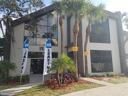 apartments near paul mitchell the tampa college student