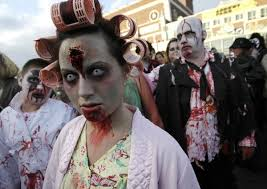 beware costume contacts to avoid a scary halloween doctors say