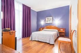 hotel chambre familiale barcelone hotel cortes 2 étoiles avec chambres familiales à barcelone