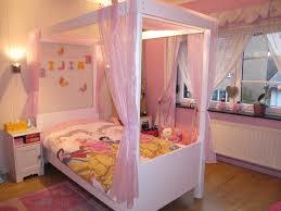 d馗oration princesse chambre fille deco chambre fille princesse lovelydeco chambre fille princesse deco