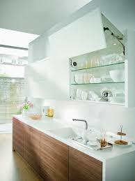 armoire murale cuisine contreplaqué armoires de cuisine avec uplifting armoire murale dans