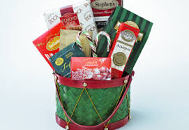 Christmas Basket Top 5 Unique Gift Baskets For Christmas What The Pros Send